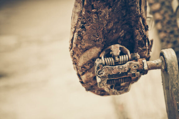How To Clip Into Mountain Bike Pedals