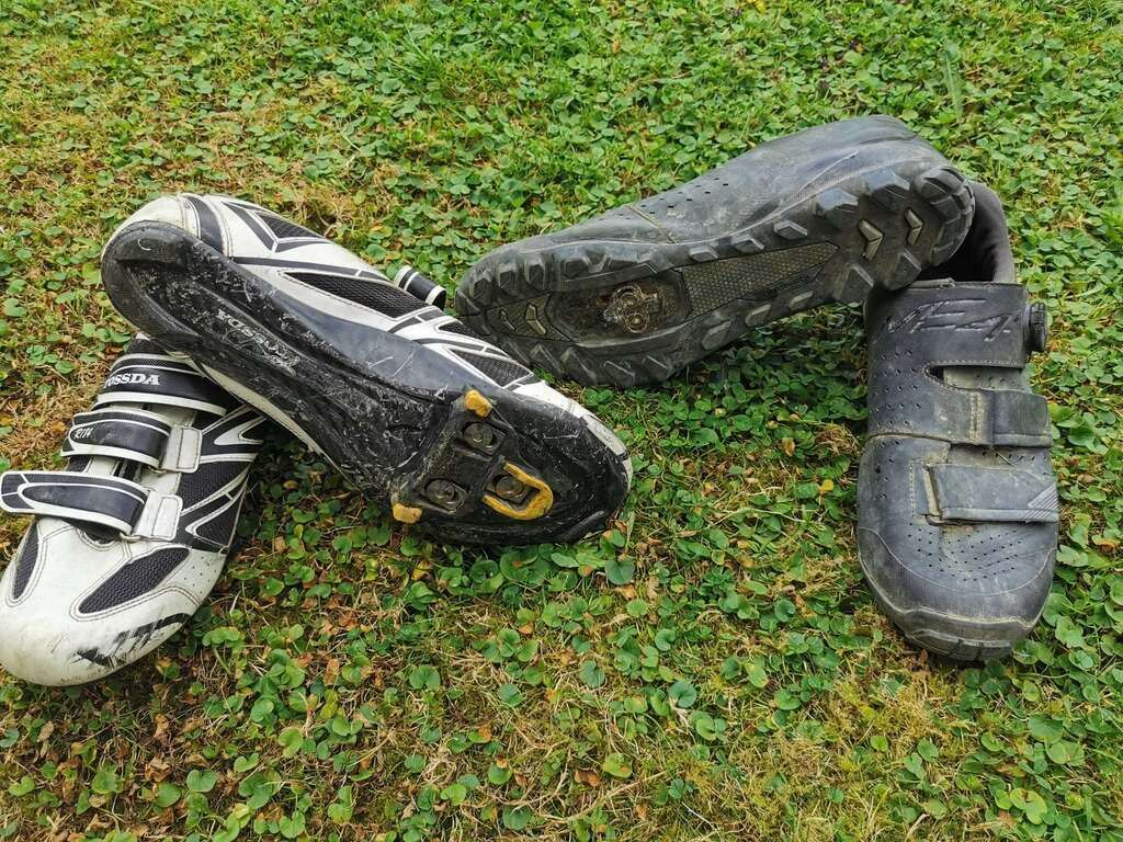 Road Shoes vs MTB Shoes