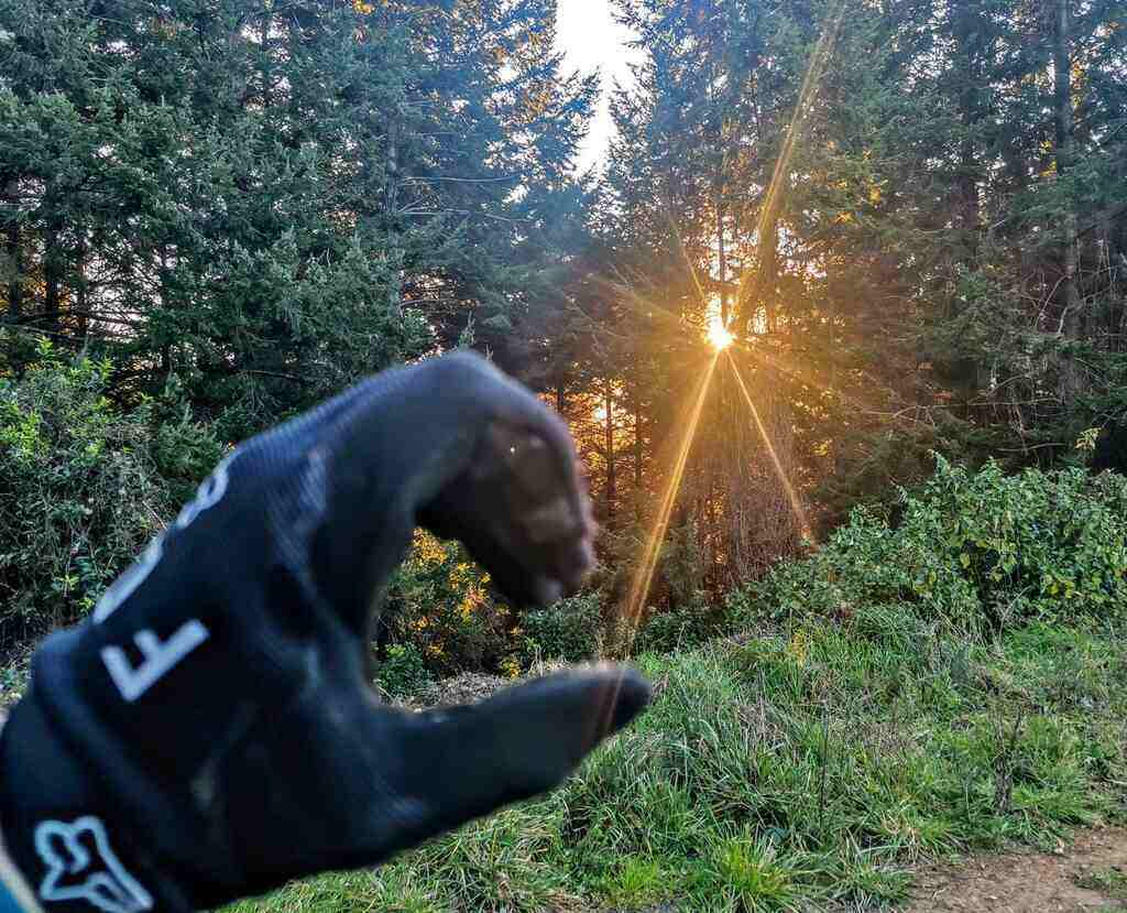 Right fit of MTB Glove